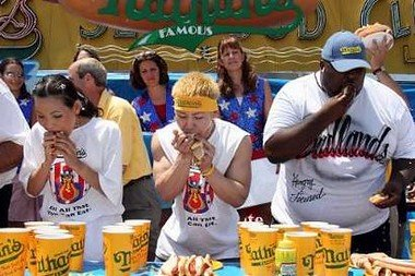 hot-dog-eating-contest